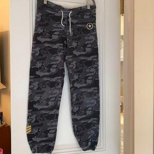 Monrow camo sweatpants size small